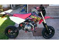 Road legal pitbike z125 crf 70(bigger size)