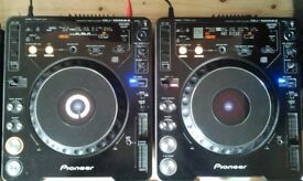 2X PIONEER CDJ 1000's MK2 + DJM 600 MIXER & SPEAKERS [INCLUDING COFFIN CASE]