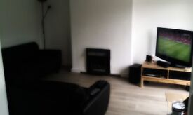 Large Room 359 INCLUDING BILLS in excellent clean house (inc CLEANER!) for workers/students