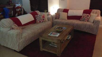 2 x 3 seater couches in great condition