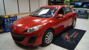 2011 Mazda Mazda3 Sport MANUAL! LOADED! HATCH! SAFETY AVAILABLE!