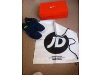 Womens Nike Free Run Commuter trainers size UK 4
