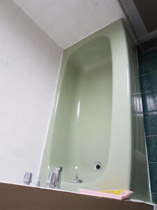 Used green bathtub - excellent condition
