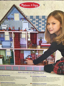 BRAND NEW Victorian Dollhouse