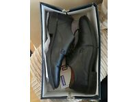 Mens Shoes Size 7 Worn Once