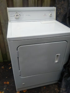 Big Gas dryer  Older but works great  Age unknown