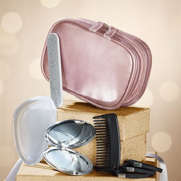 Prepare to Party Emergency Kitin Harrow, LondonGumtree - Kit comes in a zipped, PU cosmetic bag. Includes 3 polyester hair bobbles, plastic comb, compact glass mirror, mini EVA nail file and foot gel pads. Bag approx. 14cm x 5cm