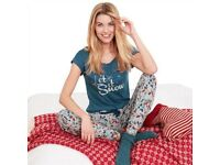 Avon - Let it Snow Pj's