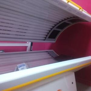 TANNING BED - with face plate bulbs