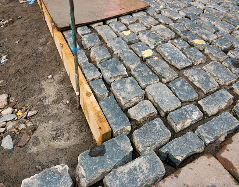 How to Lay Paving