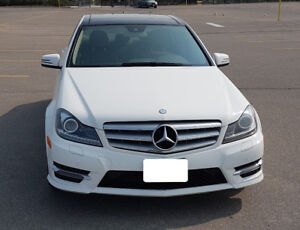 2013 Mercedes Benz C-Class C350 4MATIC - Fully Loaded!