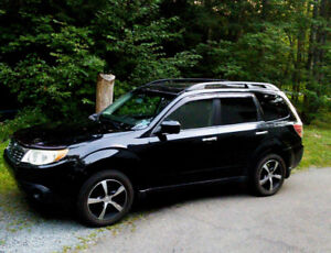 2010 Subaru Forester...it's got it all, $8,900!