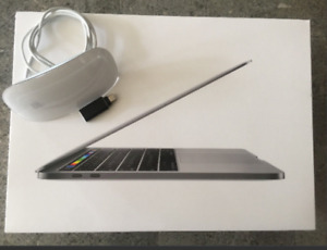 """13"""" MacBook Pro TOUCH BAR / ID 256GB SSD, 2.9ghz, Software"""