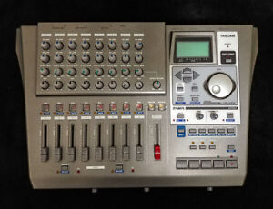 TASCAM DIGITAL PORTASTUDIO DP-01FX
