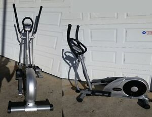 Universal Fitness 305 Elliptical Cross Trainer