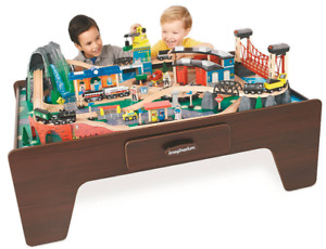 Train table and accessories+free toy storage