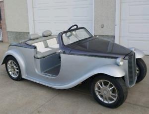 Custom California Roadster Golf Cart
