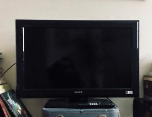 "Sony 32"" Class BRAVIA® L Series LCD TV"