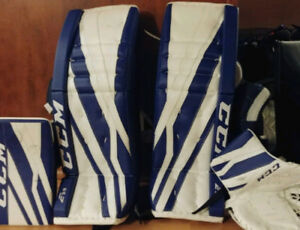 Ccm goalie pads+matching glove and blocker 34+1 left