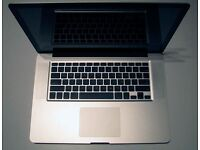"Macbook Pro 15"" Late-2008 unibody core-2-duo 2.4 GHz (A1286), 250GB Samsung solid state hard drive."