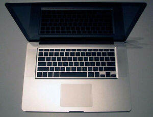 acbook Pro15inch 2.5Ghz i5 8GBRAM ,CS6Master collection