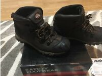 BRAND NEW, QUALITY & WATERPROOF MENS SAFETY BOOTS FOR SALE SIZE 8