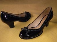 Clarks HANDCRAFTED Leather Shoes Size UK-4.5