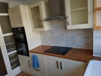 DOUBLE ROOM: SOUTHBOURNE: BELLE VUE RD: SEA VIEWS:SHARED FACILITIES: ALL INCLUSIVE: AVAILABLE NOW