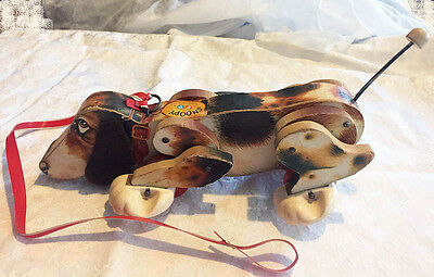 SNOOPY SNIFFER ** Vintage FISHER PRICE **  1961 ** Basset Hound PULL TOY - #181