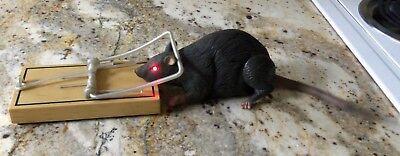 VTG GEMMY RAT IN TRAP MOTION SENSOR & AUDIO ANIMATED SCARY HALLOWEEN DECORATION