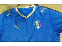Retro Puma Italia FIGC large football shirt.
