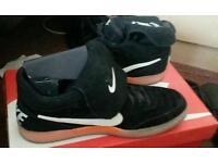 Brandnew mens Nike Tiempo Mid size 10 bargain 30pounds