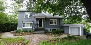 *LOCATION! Stunning 5 Bedroom House in Westboro!!