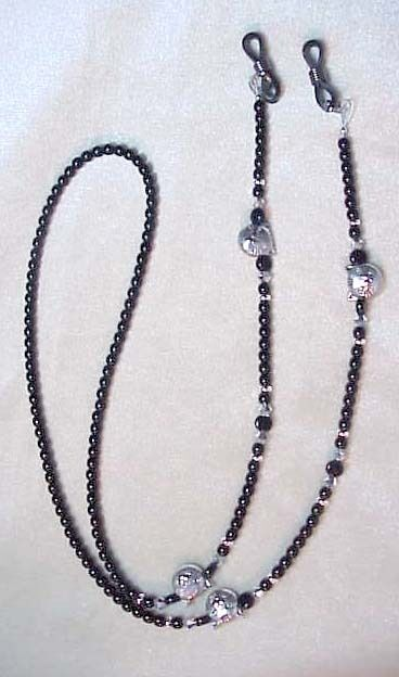 !! SILVER CAT made with FINE EUROPEAN CRYSTAL  EYEGLASS CHAIN !!