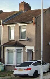 Nice 3 Bedroom House Ilford (Ley St) for Rent
