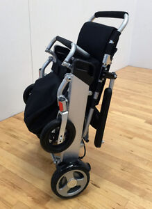 SAVE $1819!!   EASYFOLD  ELITE POWER  WHEELCHAIR ONLY 46lbs!! London Ontario image 2