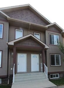 3 Bedroom Townhouse Condo in Spruce Grove for Sale!