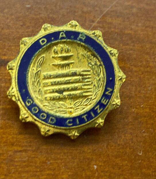 Vintage DAR Daughters of American Revolution Good Citizen Gold Tone Award Pin