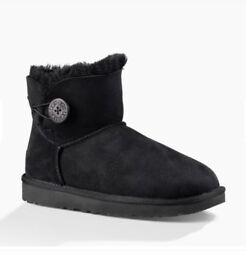 UGG BOOTS BRAND NEW SIZE 7