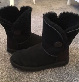 Black Bailey Button Ugg Boots size 6 Genuine New