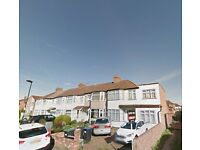 Spacious 2 Bedroom Flat - Palmers Green N13 - £1350 PCM - Quiet Location