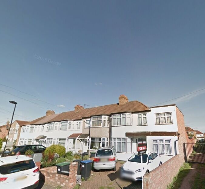 Large Cosy 2 Bedroom Flat - Palmers Green N13 - £1350 PCM - Council Tax Included - NEWLY REFURBISHED