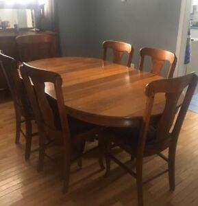 100 YEAR OLD DINING ROOM SET