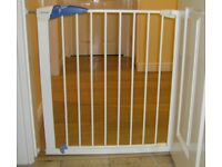 Lindam Pressure Fit Stair Gate / Safety Gate