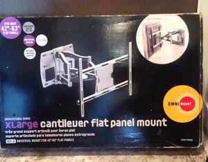 Platinum Series Cantilever Flat Screen TV Wall Mount