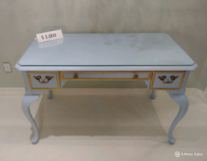 French Provincial Lady Desk