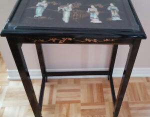Table Chinoise Noire Artisanale - Chinese Artisanal Table