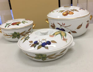 VINTAGE ROYAL WORCESTER EVESHAM COVERED SERVING DISHES LOT OF 3