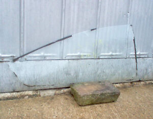 PONTIAC ASTRA CHEVY VEGA HATCHBACK R REAR AND DOOR WINDOWS GLASS London Ontario image 1