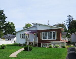 House For Sale In Parkwood Heights, Bathurst New Brunswick
